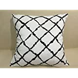 Flannel Cushion Cover Pillow Cover Throw Pillocase with White  amp; Black Geometric Pattern (18x18 i