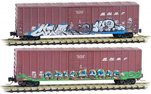 (Micro-Trains MTL Z-Scale 50ft Rib Side Box Cars BNSF Weathered & Graffiti 2-Pack)