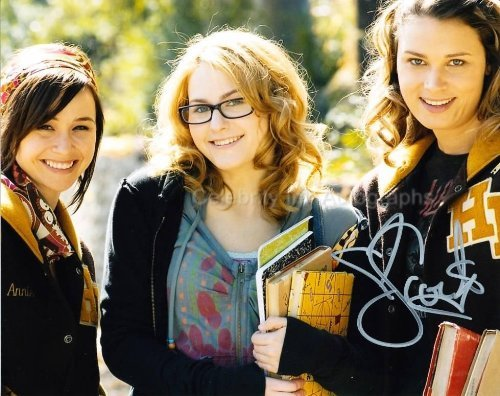 SCOUT TAYLOR-COMPTON as Laurie Strode - Halloween II (2009) Genuine Autograph]()