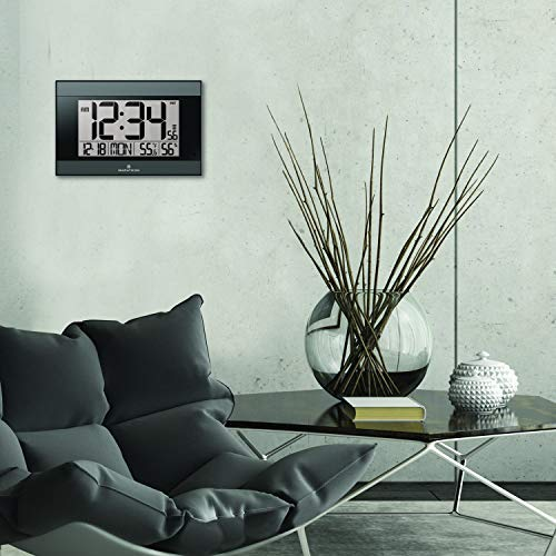 Marathon with Auto Back Feature, Temperature, Humidity and Big 2 ½ Inch C Color-Black. SKU-CL030052BK