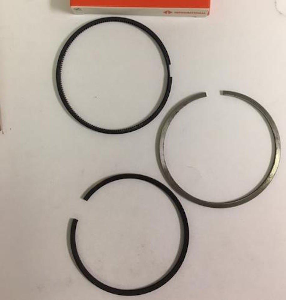 Navistar 1817247C92 Piston Ring Set