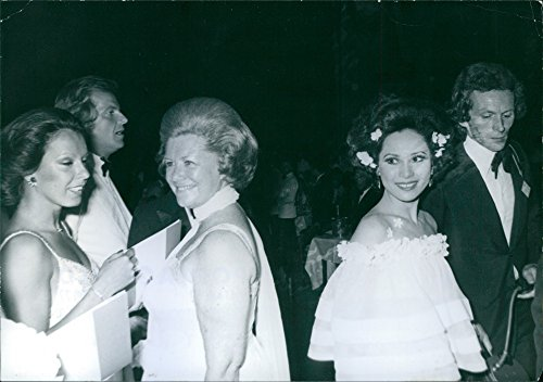 Vintage photo of The Duchess of Bedford and Ms. Soekarno Gala Red Cross Monegasque.Big success Friday night at the Sporting Club in Monte Carlo, Charity exceptional Gala of the Red Cross Monegasque, which took place in presen of the princely family of Monaco and many personalities.We recognize, here in the center, from left to right: the Duchess of Bedford and Ms. Soekarno. ()