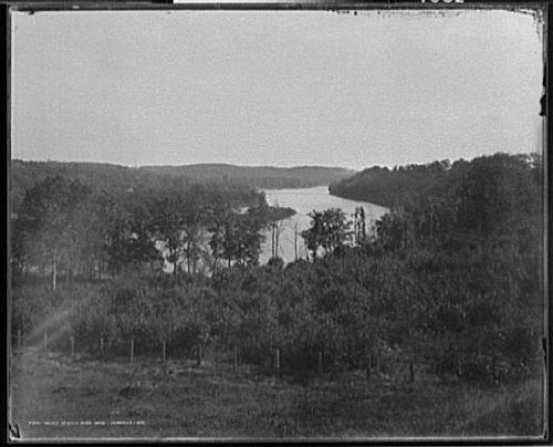 HistoricalFindings Photo: Valley,Rock River,water,Janesville,Wisconsin,WI,Detroit Publishing Company,c1898