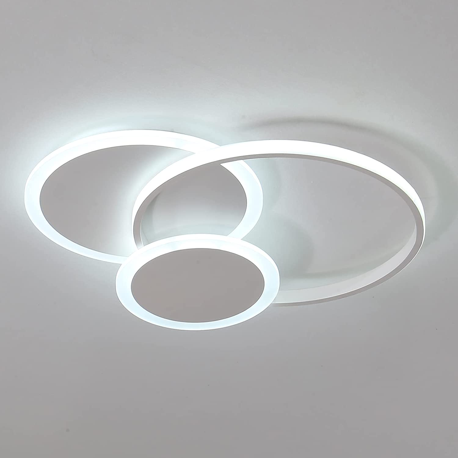 Qcyuui 32W Flush Mount Lighting Fixture, LED Ceiling Light with Acrylic Lampshade, Circle Close to Ceiling Lamp for Living Room Dining Room Bedroom Kitchen, 6500K/Cool White