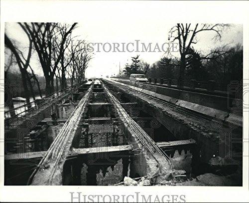 (Vintage Photos 1986 Press Photo The Upper Portion The Broadway Bridge - cva81577-8 x 10 in. - Historic Images)