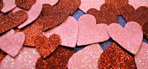 Table Scatter Glitter Hearts