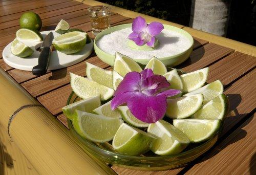 Margaritaville AD2000 Salt Rimmer and Lime Serving Set