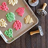 Nordic Ware 01233 Holiday Cast Cookie