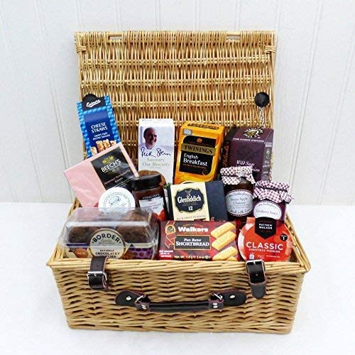 Traditional Wicker Gift Gourmet Food Hamper Basket 13 Items Albany Range Perfect Idea For Christmas Mum Mother S Day Birthday Anniversary Business Corporate Him Her Dad Fathers Day Amazon Co Uk Grocery