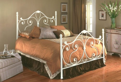 Aynsley Ivory White Metal Queen Bed W/bed Frame Head & Footboard