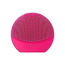 FOREO LUNA Play Cleaning Brush in Fuchsia