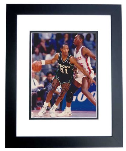 Alvin Robertson Autographed / Hand Signed Milwaukee Bucks 8x10 Photo - BLACK CUSTOM FRAME