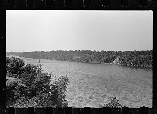 Photo: Mississippi River,Minneapolis,Minnesota,MN,September 1939,John Vachon,FSA