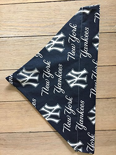 Yankees pet scarf-small