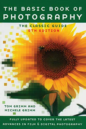 COMPLETELY REVISED AND UPDATED, THIS ESTABLISHED CLASSIC REMAINS THE DEFINITIVE GUIDE TO THE WORLD OF PHOTOGRAPHY! 5th Edition For nearly three decades, The Basic Book of Photography has been the ideal handbook for beginning and experienced photograp...