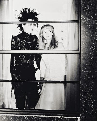 Edward Scissorhands Winona Ryder 8x10 HD Aluminum Wall Art