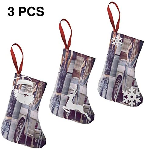 クリスマスの日の靴下 (ソックス3個)クリスマスデコレーションソックス ケンドールジェナーKendall Jenner クリスマス、ハロウィン 家庭用、ショッピングモール用、お祝いの雰囲気を加える 人気を高める、販売、プロモーション、年次式