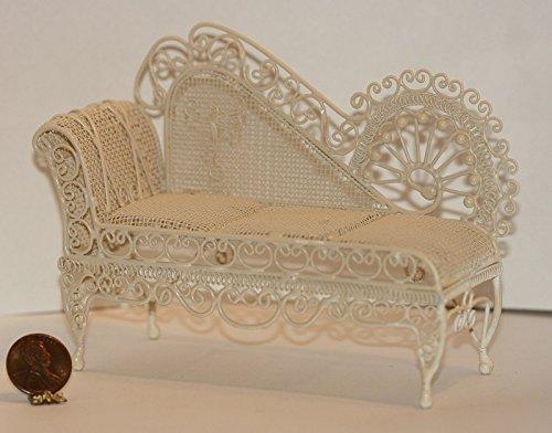 Dollhouse Miniature Ornate Victorian Sofa in Cream Wire ()