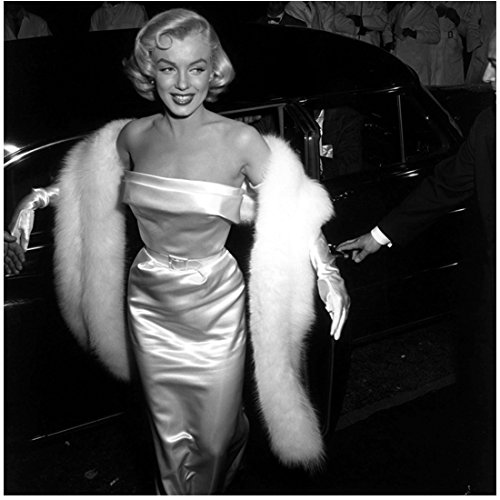Marilyn Monroe with Big Smile Exiting Limo 8 x 10 Inch Photo (Marilyn Monroe The Prince And The Showgirl Dress)