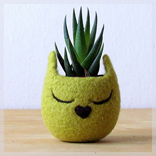 Animal planter/Cat head planter/Felt succulent planter/Olive green planter by The Yarn Kitchen