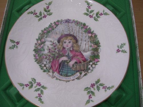 Royal Doulton Christmas Plate 1978 Child Gathering Holly - 2nd in Series