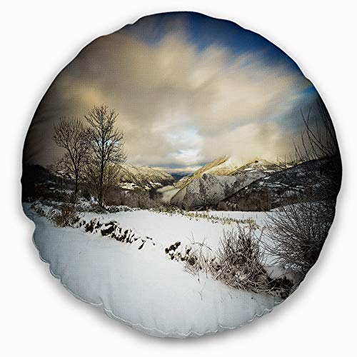 Designart CU9493-20-20-C Snow Storm in Spain' Landscape Photography Throw Cushion Pillow Cover for Living Room, Sofa, 20'' Round by Designart