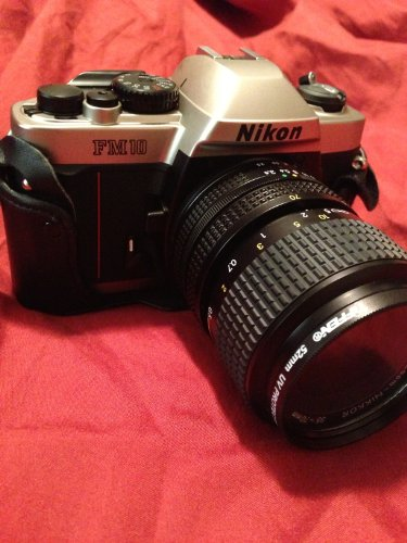 Nikon FM-10 35mm SLR Camera Kit with 35-70mm F3.5-4.8 Zoom Lens & Camera Case (Nikon Fm Film Camera)