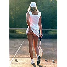 1art1® Set: Pretty Girls, Tennis Girl Postcard (6x4 inches) And 1 x Surprise Sticker