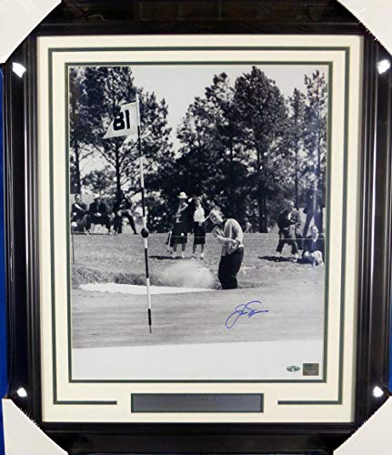 Autographed Jack Nicklaus Photograph - Framed 16x20 Stock #126657 - Steiner Sports Certified - Autographed Golf Photos