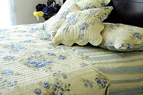 DaDa Bedding Reversible Patchwork Floral Camellia Quilt Bedspread