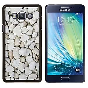 Eason Shop / Premium SLIM PC / Aliminium Casa Carcasa Funda Case Bandera Cover - Pebbles Beach Diseño natural - For Samsung Galaxy A7 ( A7000 )