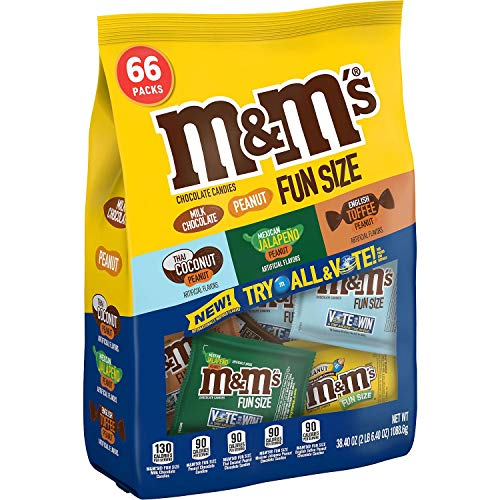 M&M's Peanut, Milk Chocolate, Thai Coconut, Mexican Jalapeño, English Toffee, 66 Fun-Size Packs]()