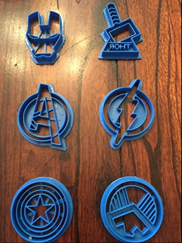 NEW AVENGERS IRONMAN THOR CAPTAIN AMERICA FLASH SUPERHERO COOKIE CUTTER SET by superman batman cookie cutter (Image #1)