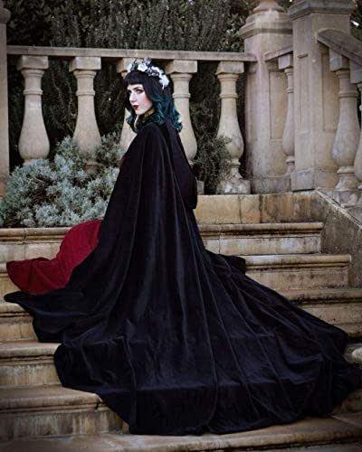 Capa negra medieval de terciopelo con capucha para mujer y hombre