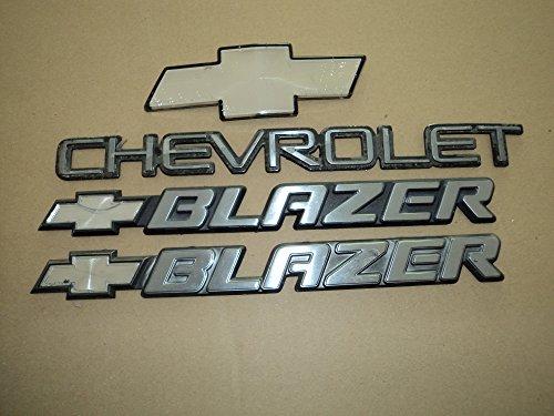 97-03 Chevrolet Blazer Side Door Fender Emblem 15672283 Tailgate Logo Nameplate Decal Ornament Set Of 4 ()