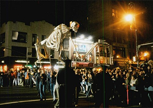 Vintage photo of Halloween parades in New (Halloween Parade New York)