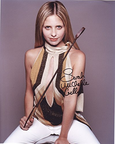 - Sarah Michelle Gellar Autograph Signed 8 x 10 Photo