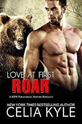 Love at First Roar (BBW Paranormal Shapeshifter Werebear Romance) (Grayslake Book 4) (English Edition)