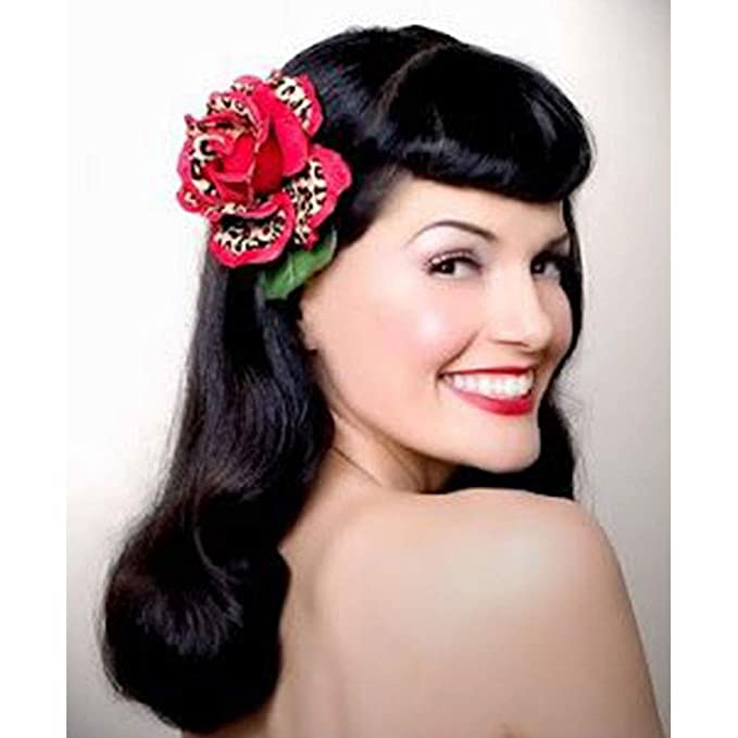 Amazon Com 22inches Bettie Page Blunt Short Bangs Vintage Hepbum 1940s Hairstyle Long Water Wavys Wigs For Women Beauty