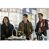 Tom Cavanaugh 8 inch x 10 inch Photograph The Flash (TV Series 2014 - ) Holding Fire Extinguisher kn