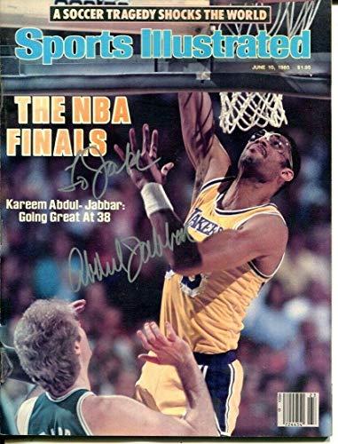 Kareem Abdul Jabbar Signed 1985 Sports Illustrated Magazine Autographed 57425 - Autographed NBA Magazines