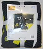 Despicable Me 3 - No Sew Throw Fleece Kit - finished size 43'' x 55''