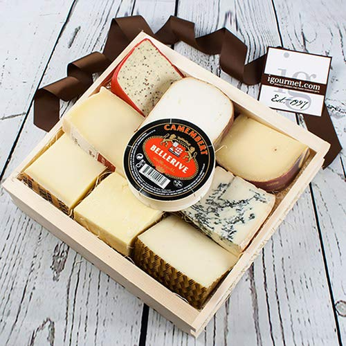 Cheese Lover's Sampler in Gift Basket (72.8 ounce) by igourmet (Image #1)