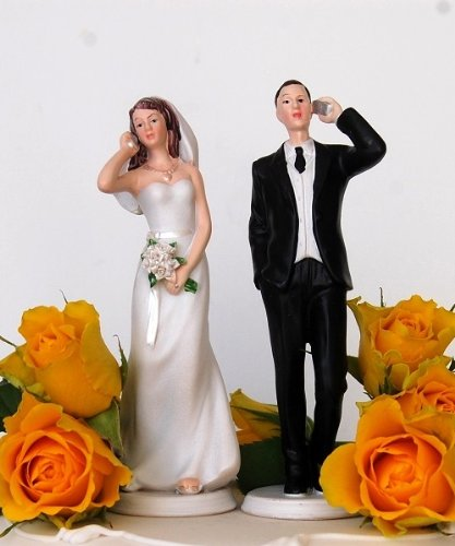 DreamWedding-UK Bride and Groom Humorous Cake Topper Sitting/Standing Unusual Funny Couple for Wedding Celebrations, Artificial Resin, Number 38, 5 x 12 x 12 cm ()