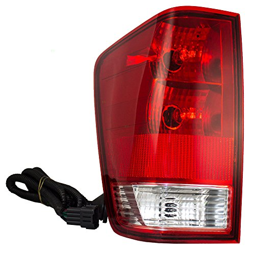 Nissan Titan Tail Lamp - Drivers Taillight Tail Lamp Replacement for Nissan Titan Pickup Truck 265557S227 NI2800161