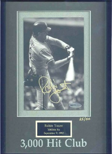 Robin Yount - UDA LIMITED EDITION Autographed 3,000 Hit Club photo (Brewer