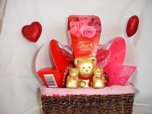 Baby Gift Basket Dubai : Valentine s day sweetheart gift basket lindor chocolates