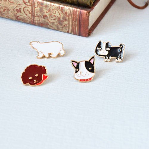 - Custom cartoon bulldog playful fun cute polar bear Teddy multi-purpose collar pin brooch pin
