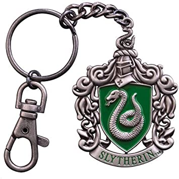 Amazon.com: Escudo de Slytherin clave Cadena: Toys & Games