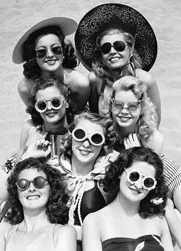 Avanti Historic America Blank Notecards, California Cool: Women Wearing Sunglasses, 10-Count
